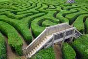 Brücke über Labyrinth
